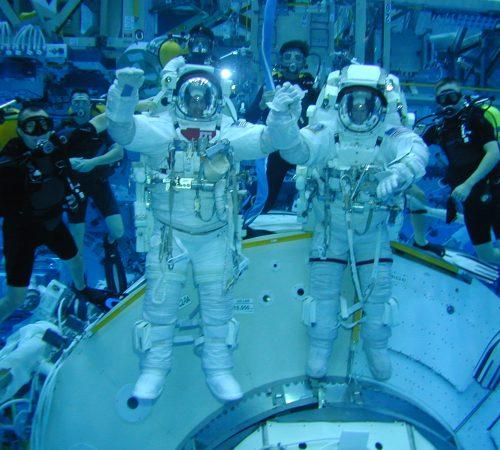 ESA_astronaut_Andre_Kuipers_and_Frank_de_Winne_during_EVA_training